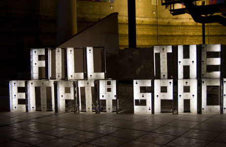 Fill the EmptySpace - interactive 3.5 floppy disk sculpture by artist Dominik Jais